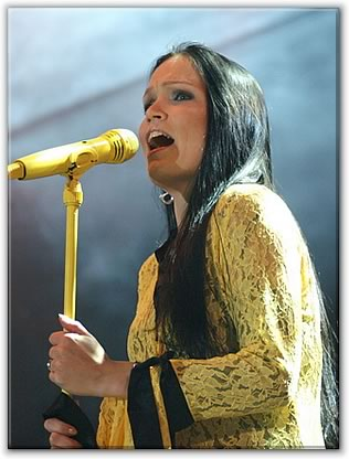 http://www.nightwish.jp/members/images/tarja_detail.jpg